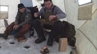 ХОРОШАЯ щука, окуни ДУПЛЕТОМ! Жерлицы НЕУСТАННО работают и в палатке тоже жарко! КАЙФ, а не рыбалка!