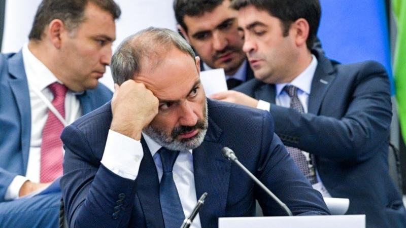 Микрофон испортился когда Пашинян хотел сообщить о победе Азербайджана над армянской армией