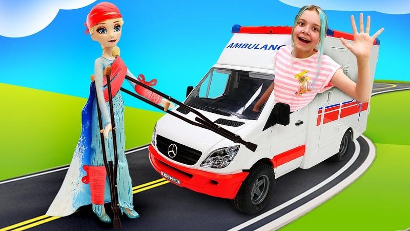 Эльза Холодное Сердце повредила ногу Леди Баг и Альтрон подружились видео куклы для девочек