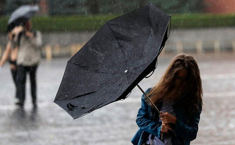 Сильный дождь с градом и шквалистым ветром ожидаются в КЧР