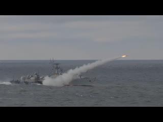 Путин понаблюдал за ходом учений в Черном море