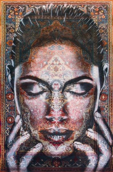 Художник создает женские портреты на персидских коврах Уличный художник Матео из Монреаля рисует невероятные картины на коврах. Мужчина много лет назад увлекся традиционными узорами разных