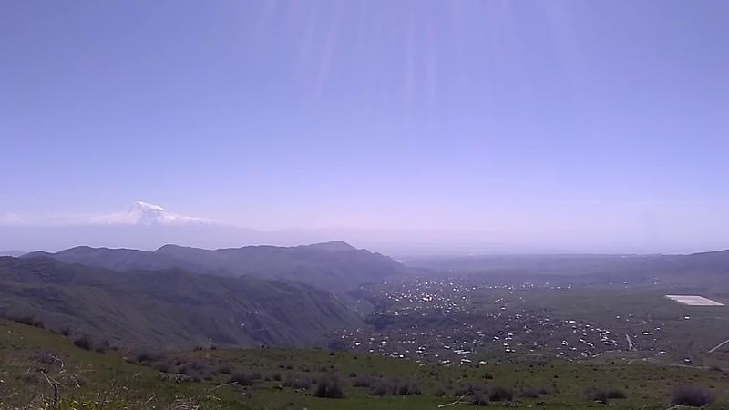 1 Горы над монастырем Гегард и над селами Гарни Гохт Гегард май 2019 туризм в Армении