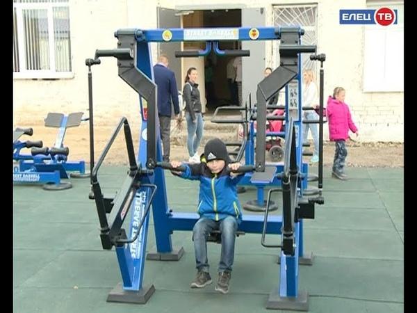 «Спорт – норма жизни»: в Ельце наградили обладателей золотых значков ГТО и открыли новую многофункциональную спортивную площадку
