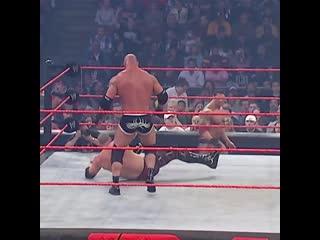 Goldberg vs kane(evolution and mark henry at ringside area)
