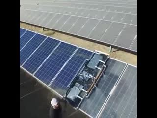 Чистка солнечных панелей от пыли
