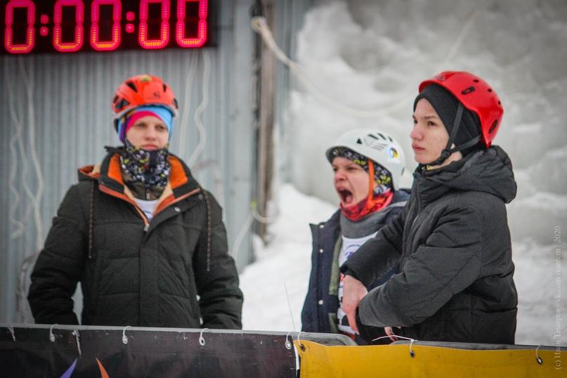 Главные отечественные ледолазные старты сезона финишировали в городе Кирове в минувшие выходные – чемпионат и первенство России по альпинизму. Всем было что доказывать и что терять…, изображение №113