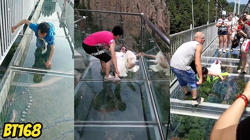 New Glass Bridge Episodes 2018 Scary Journey People are terrified to cross glass bridge in China