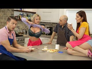 [FamilySwap] Dee Williams, Vanna Bardot - My Family Swap Sister NewPorn