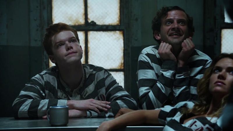 Gotham 2x01 Tabitha Breaks Out The Maniax