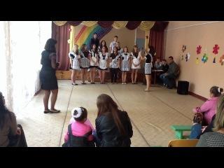"""11-Б танец """"Учат в школе"""" Та что ногу подняла- это я!!!"""