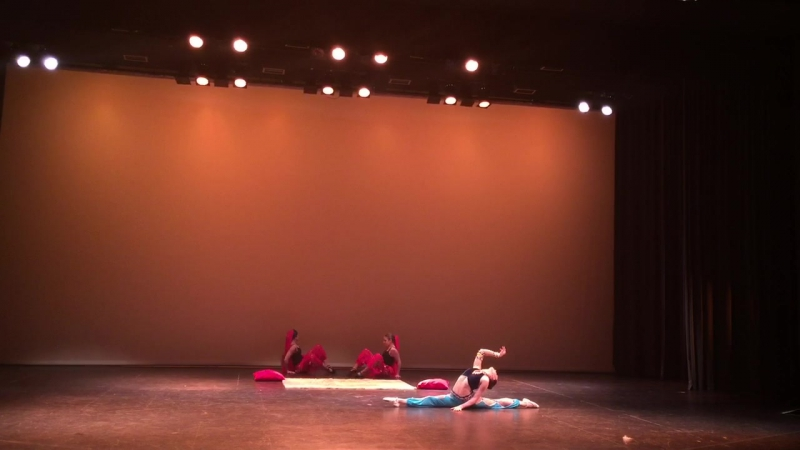 Alina Churilova , Арабский танец , май 2016 Geneva. Ecole de danse Sergeï Nikonov