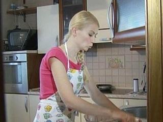 Домохозяйка - плюсы и минусы - Доброе утро - Первый канал