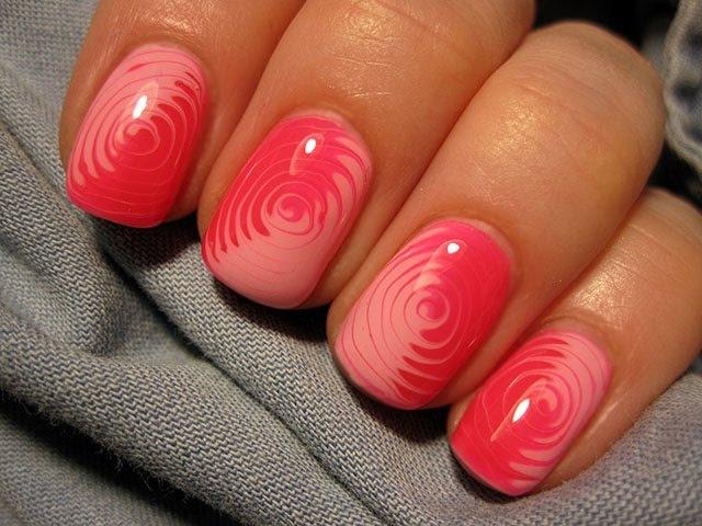 No water swirl marble manicure - Kręciołki na paznokciach hybrydowych