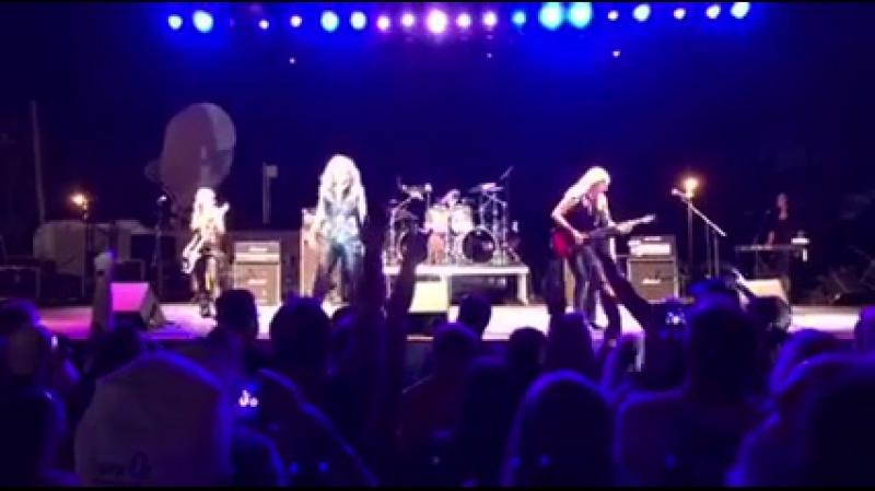 Vixen Ain't Talkin' 'Bout Love Van Halen Cover Live at Watertown Riverfest 12 08 16