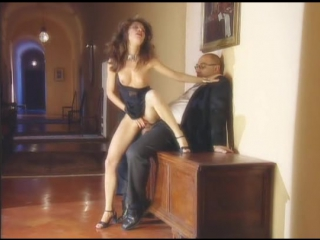 Private - Penthouse 05 - Italian Flair  В ролях: Nikky Andersson, Laura Angel, Lynn Stone, Sophie Evans, Eva Falk, Daniela Ognib