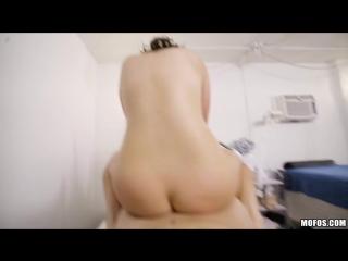 Karlie Brooks - Voyeurs Rub And Tug