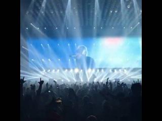 Eminem неожиданно появился на концерте Drake (МУРАЖКИ ПО КОЖЕ)