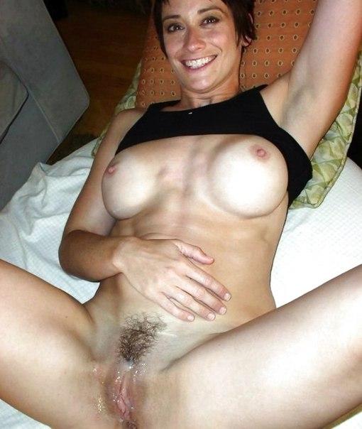 Milf nude posing pics
