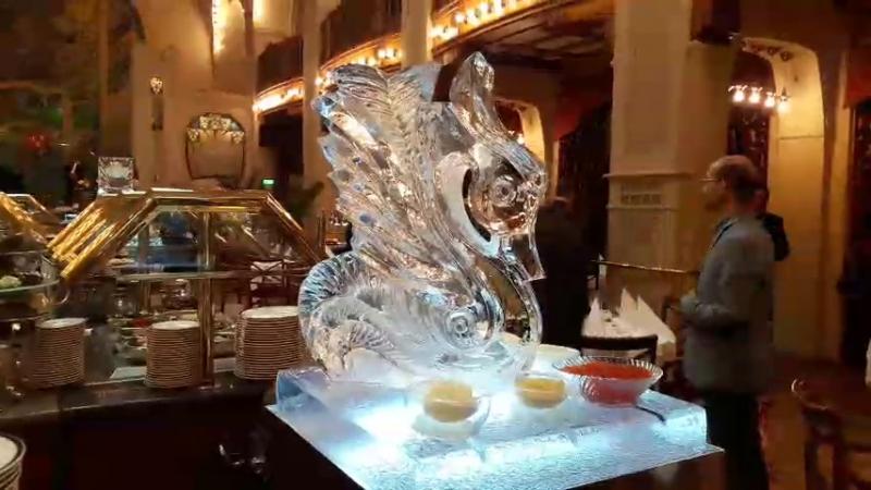 Ледяная скульптура Лебедь для подачи икры и закусок MariaCrystalIce 7-905-204-77-53 www.maryice.ru