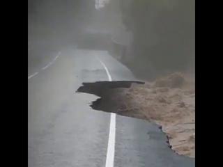 В КБР из-за подтопления перекрыта федеральная дорога