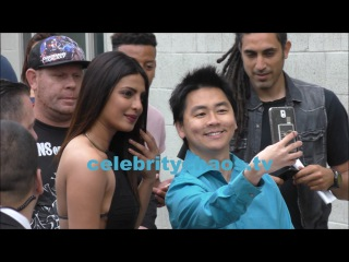 Sexy babe Priyanka Chopra sets fans hearts racing as she oozes sex appeal while signing autographs