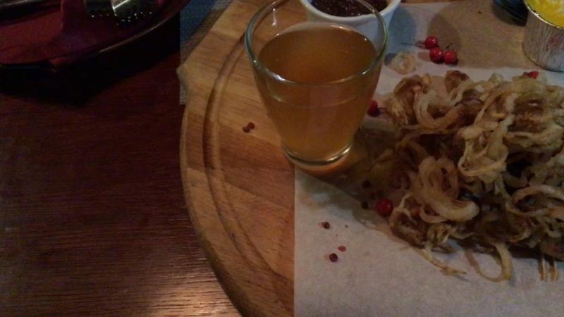Гурмэ фестиваль для меня начался с фрегата Флагман Блюдо Рёбра ильменского леща с яшней из репы и луковым мармеладом