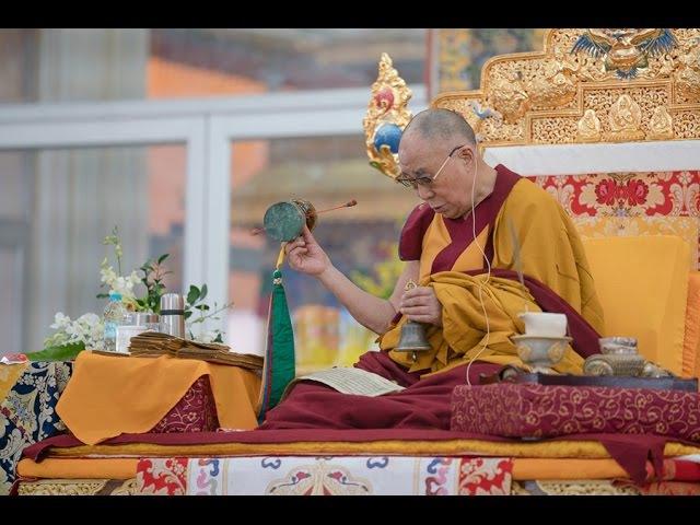 Далай лама дарует посвящение Калачакры в Бодхгае
