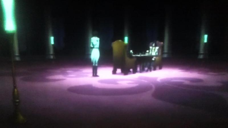 Код гиас отступник Акито Военный советника Юлий Кингсли разговаривает с лордом Сианем