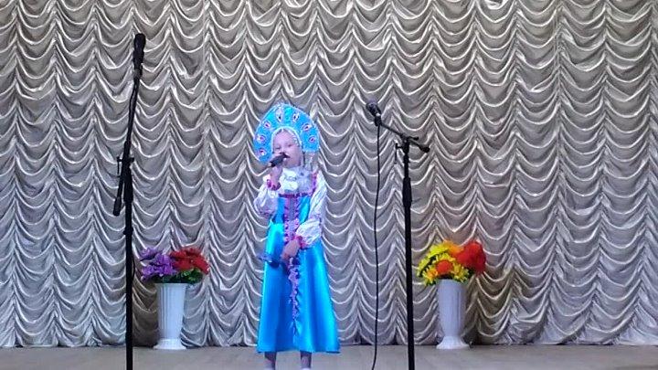 Кривенко Алина с песней Гармонь моя на смотре конкурсе детей и молодёжи Росток степного края