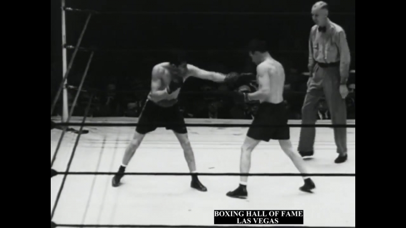 Jimmy McLarnin Loses Welterweight Crown to Barney Ross May 28, 1934 (I Meeting)