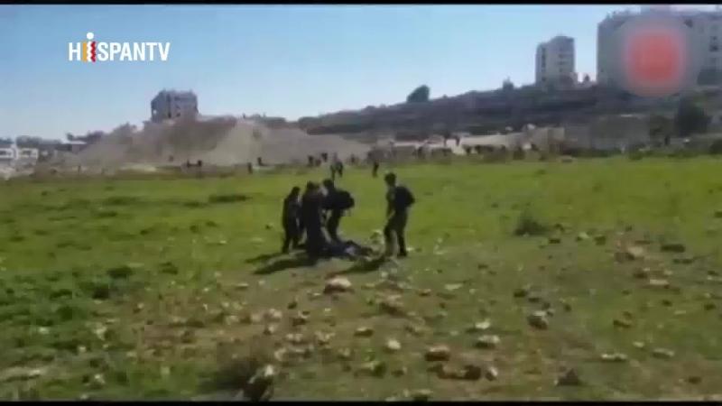 Israelíes golpean a médicos que ayudaban a palestinos heridos