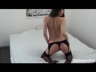 Pregnant_janetta_s_sexy_striptease_with_masturbating_720p