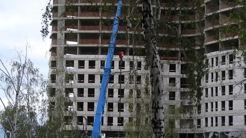 ЖК Крылья (застройщик - Группа Эталон) - 1-й корпус к 20-му этажу, 2-й,3-й - наполовину от него