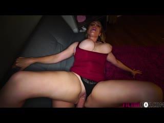 Сын по-тихому трахает зрелую мачеху, pov sex family porn incest natural big tit boob saggy ass doggy fuck mom hd (hot&horny)
