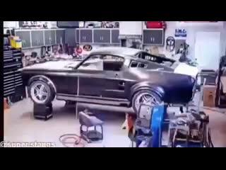 Перевоплощение из 2012 Shelby GT500 в 1967 Shelby GT500