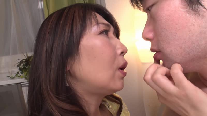 Мама японка пробует на вкус член сына DDOB 048, азиатка, секс с,