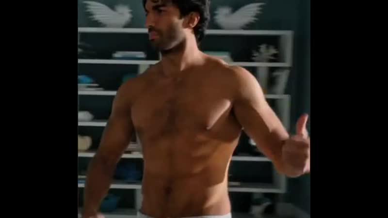 Kinda hate this but Rafael is hot sooooo.......