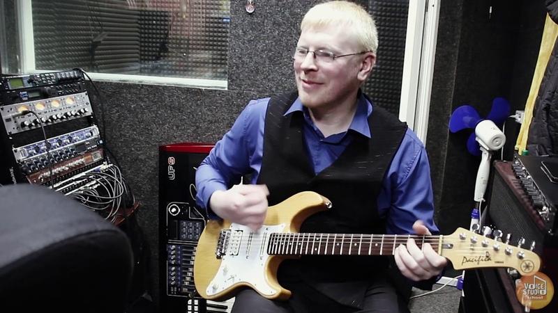 Павел Алпеев - преподаватель по классу электро гитара. Voice-Studio School