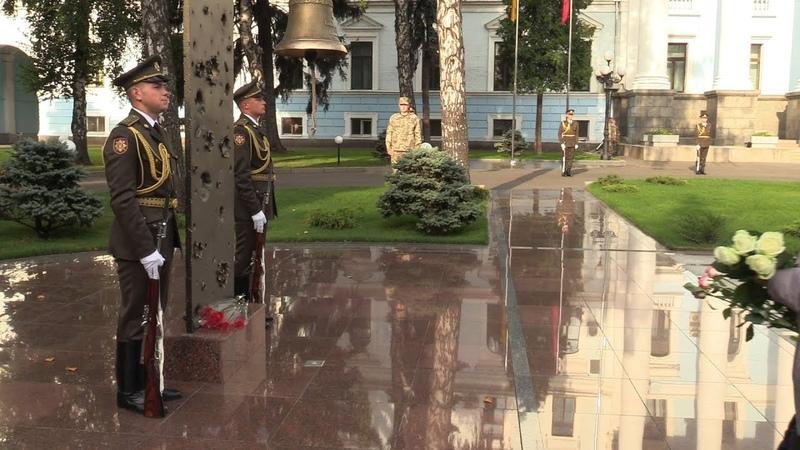 Ранковий церемоніал вшанування загиблих українських героїв 25 вересня