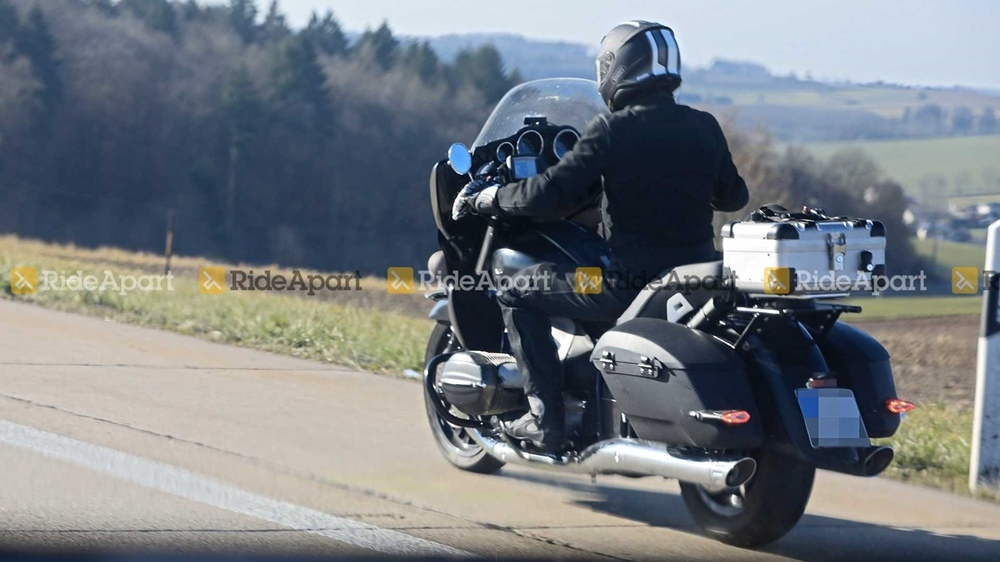 Шпионские фото BMW R18 Bagger, почти готового к производству