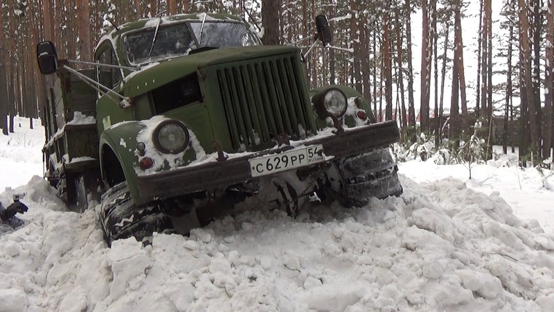 Газ-63 поездка в лес на разведку.GAZ-63 on a trip to the woods to investigate.
