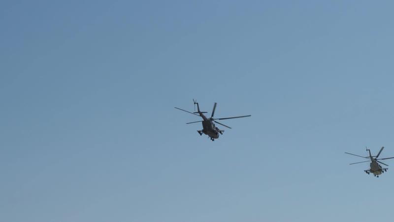 Экипажи боевых вертолетов приступили к тренировкам групповой слетанности перед воздушным парадом Победы
