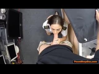 Шкура дала парню в туалете порно, porn, milf, big ass, big tits, brunette, lati