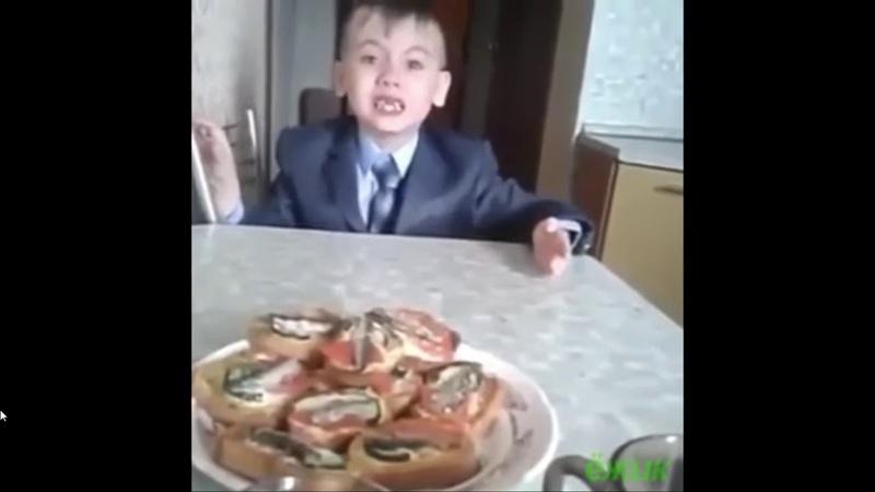 Мама спросила у сына почему ты не хочешь ходить в школу ответ её рассмешил