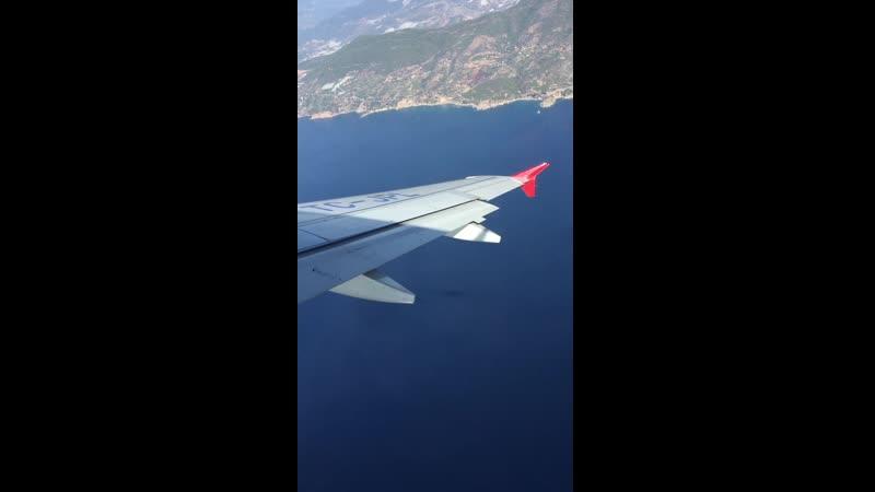 Полет над Средиземным морем у побережья Аланьи