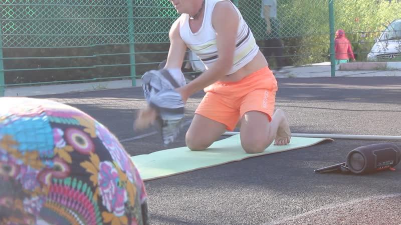 Практика йоги с Игорем Смирновым