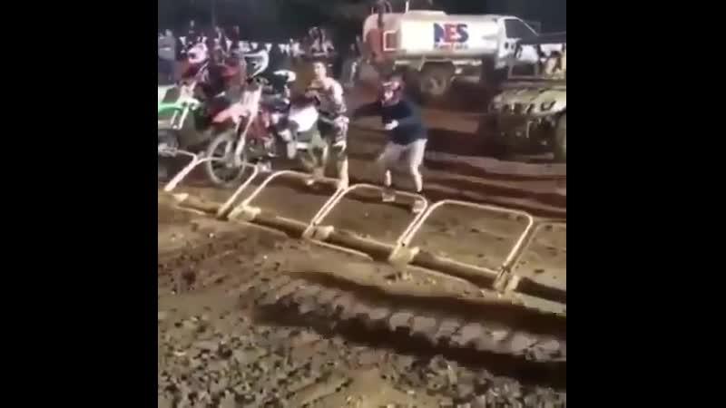 На каждой гонке есть хохмач