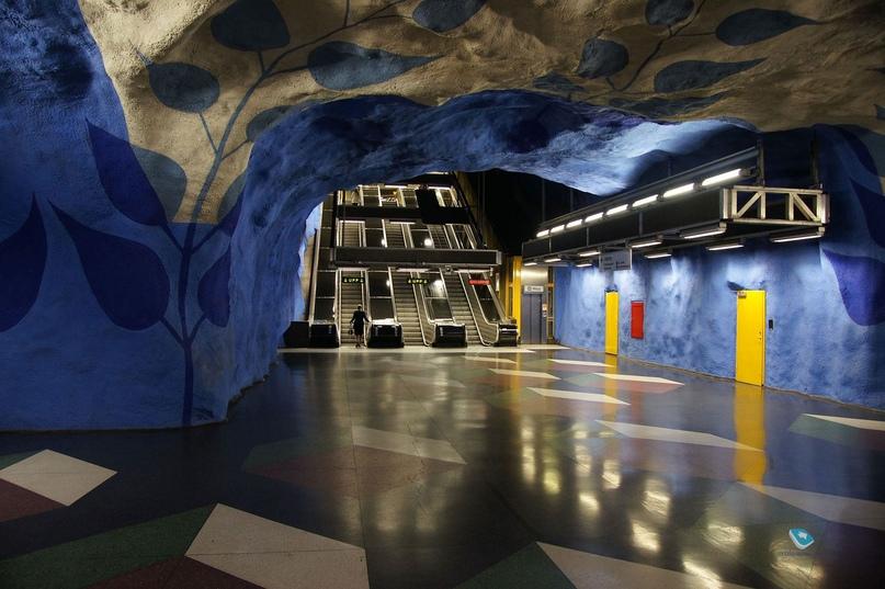 ТОП самых красивых метро, изображение №3