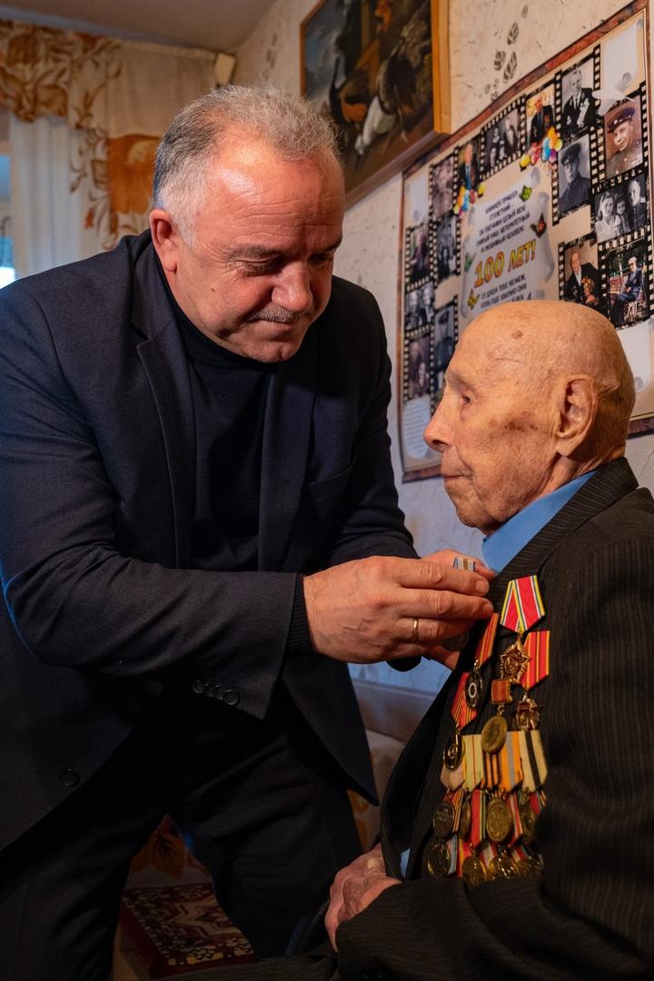 Медаль для старейшего ветерана, изображение №1